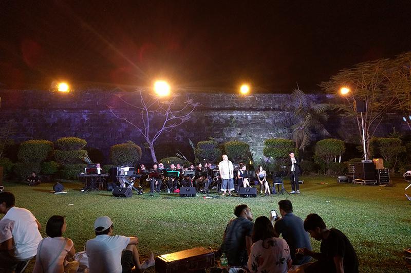 Carlos performing with band, Transitio, Intramuros